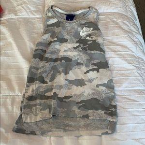 Girls Nike camo tank top